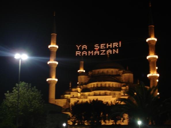 2016_06_06 Istanbul.Sultanahmet.BlueMosque.Ramazan.02